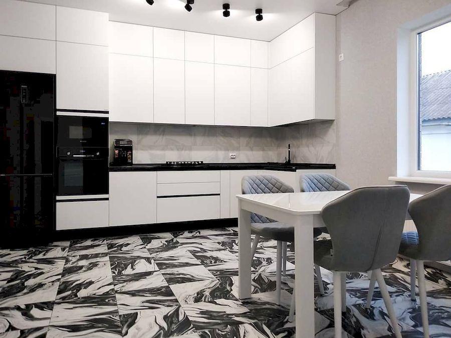 Белый кухонный гарнитур-Кухня МДФ в ПВХ «Модель 639»-фото1
